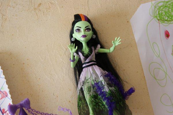 Halloween è.é  Photos et explications sont au rendez-vous en ce dimanche de pré-rentrée !   N°2