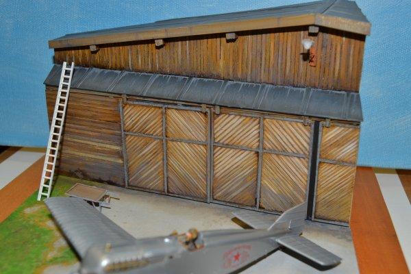 Le Hangar.....