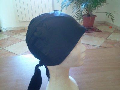 bonnet attache a l'arriere et bonnet tube