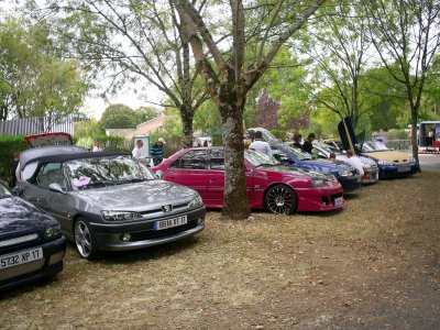 Meeting de Tonnay Charente (The Last Car)