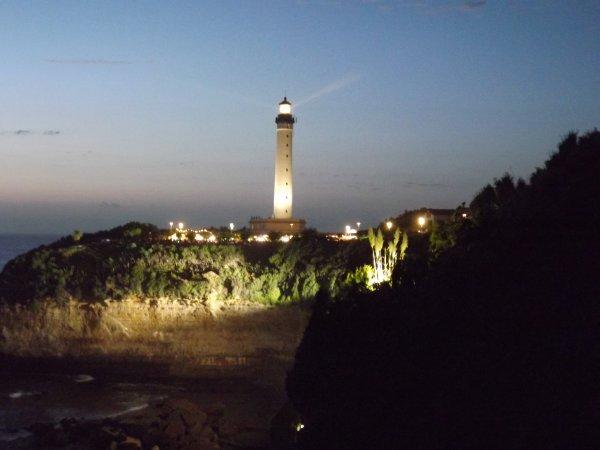 Le Phare de Biarritz prend de la couleur
