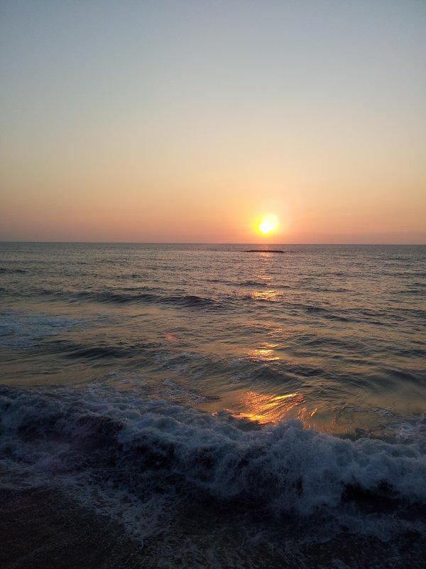 La mer .... qu'on voit danser ......
