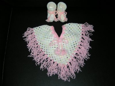 ***PONCHO ET CHAUSSONS 3/6 mois***