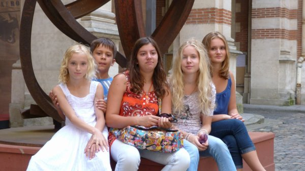 Moi mes soeurs et des amis à Toulouse