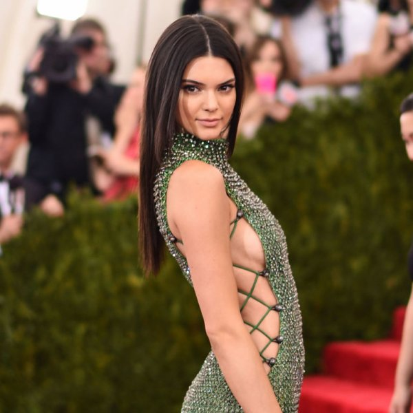 Why Do '90s Supermodels Maintain Slamming Kendall Jenner and Gigi Hadid?