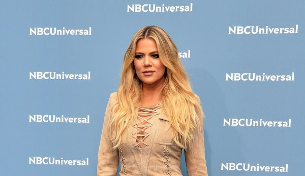 "Khloe Kardashian Calls Rob a ""F---ing P---y""In excess of Engagement -- While Kourt Blasts Kim as Becoming a ""Bitch"""