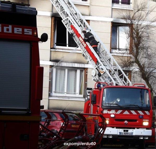 CREIL (60) ... VIOLENT FEU D'APPARTEMENT ... LE 19 JANVIER 2014