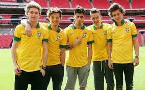 https://www.facebook.com/pages/One-direction_2014/525263354287082?fref=photo