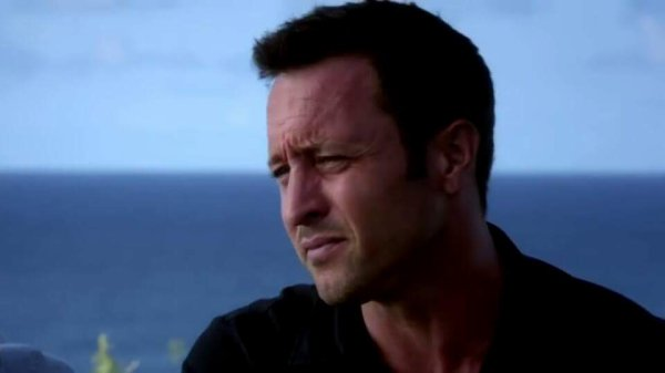 Hawaii 5.0 - Une nouvelle Ohana - Steve/Catherine - PG13 - Page 2 3271667292_1_2_NWNWYQz2