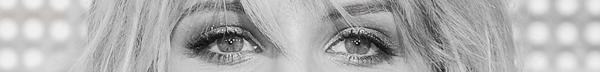 • ÉVÈNEMENT 2011 Avant-Première mondiale de « Glee The 3D Concert Movie »  Je n'ai pas aimé la tenue de Dianna (et c'est bien connu : quand je n'aime pas, je ne fais pas), mais vous pouvez voir les photos de sa robe ici. Par contre j'ai adoré son maquillage et vous avez donc droit à 4 versions différentes de la tête de Dianna. C'est pas plus mal non ? Ah j'allais oublier, ma photo coup de ♥ est dans l'article juste en dessous. Alors vous aimez ?  •
