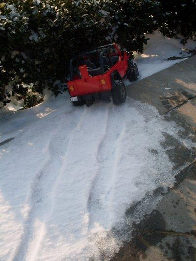 accident dans la neige!!! il a trop bu je pense.....