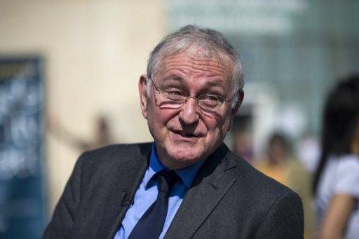 Maire de MOIDIEU Gérard LAMBERT à parrainé jacques Cheminade