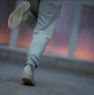 # Les minutes passent comme des heures. Et puis tu court, tu court sans t'arrêter pour vider tes poumons. ©