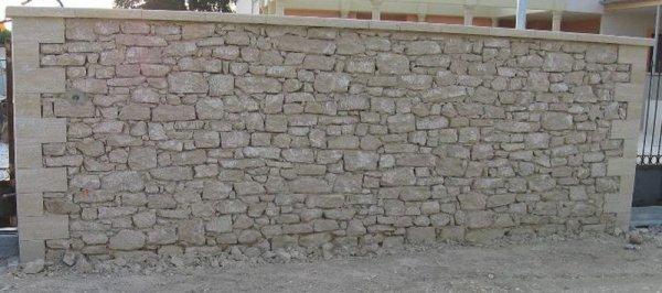 montage des mur in pierre seche ou apparente