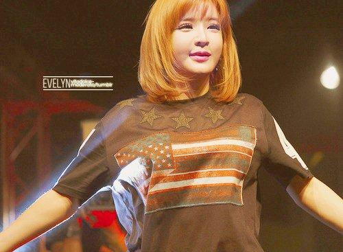 2NE1 - I LOVE YOU M/V