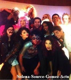 Selena Gomez  fête Halloween sur scène