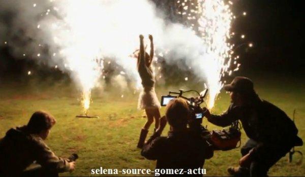 Selena Gomez ouvre les portes de son tournage