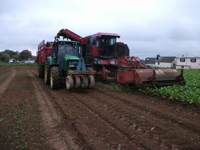 john deere , arracheuse a bettraves moreau