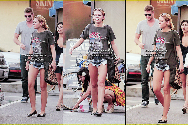 25 / 08 / 20II :Miley estallée déjeunerà Los Angeles avec Liam et son amie Jen. Je profite de cet article pour fêter un trèsjoyeux anniversaire à Billy Ray Cyrus, qui fête aujourd'hui ses50 ans!