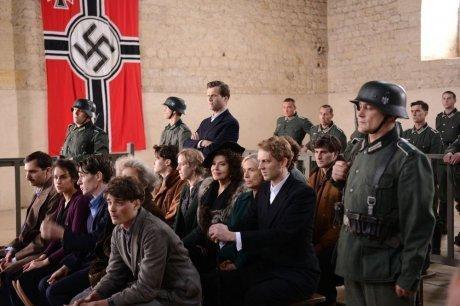 1ier photo paru dans sud ouest journal pour mon téléfilm : résistance .