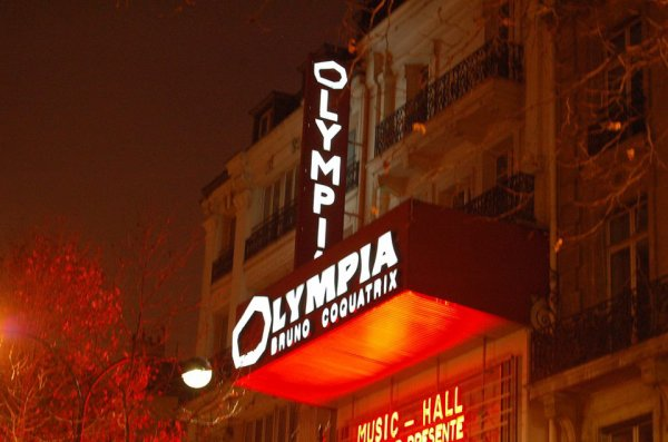 bon anniversaire à dave .aujourdhui à l,olympia .