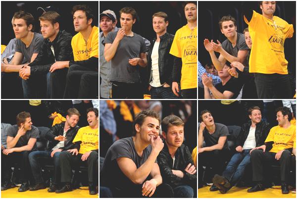 . Lundi 2 Mai 2011 : Paul a été vu en compagnie de Ben McKenzie à un match des Lakers.Paul porte une alliance !!! La rumeur d'un mariage avec Torrey Devitto serait-elle vraie ? A mon avis OUI ♥