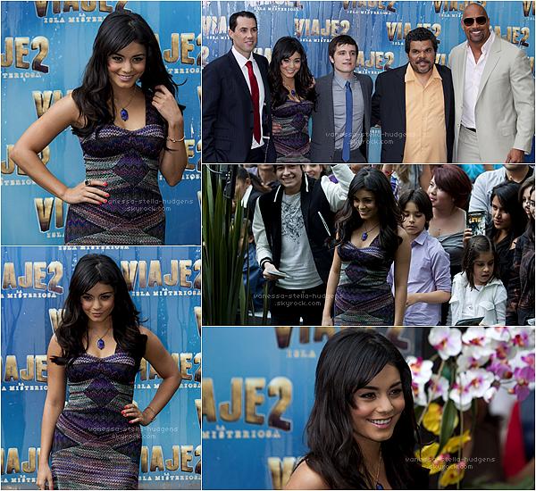 """28/01/12 : Vanessa et le cast de """"The Journey 2"""" à la première du film à Mexico, Mexique"""