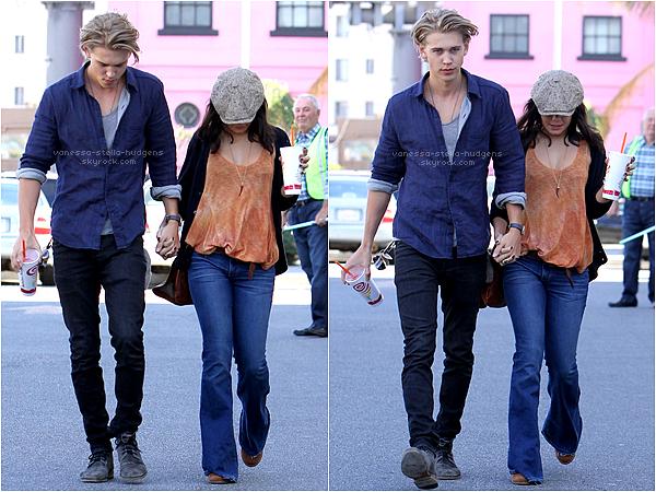 *   Vanessa et Austin se baladant dans Los Angeles après avoir pris une boisson.    Puis Nessa à une nouvelle fois retrouvé Ashley Tisdale pour aller danser.