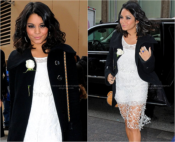 "*   Vanessa actuellement à New York, a enregistré une interview pour ""The Journey 2"" sur le plateau de l'émission ""Live With Kelly"".     *"