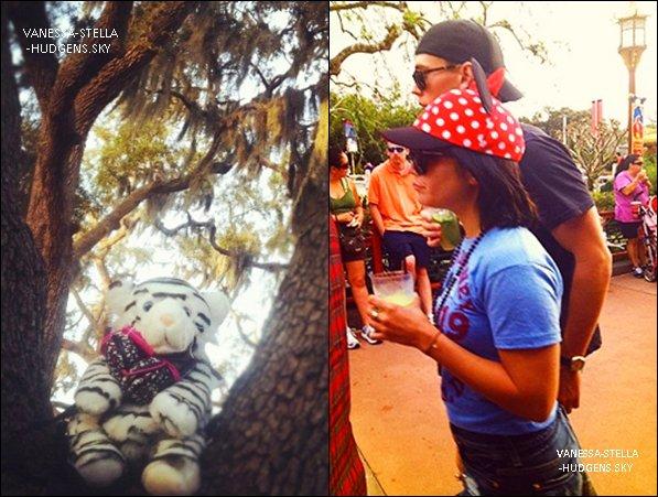 *   Vanessa Hudgens et Austin Bulter repérés par des fans à DisneyLand ce samedi 10 mars. Vanessa a posté une photo de son sac dans un arbre sur Facebook   *