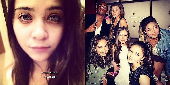 *   Ce ne sont pas des photos mais une vidéo de Vanessa et ses co-stars dansant sur le set de Spring Breakers ainsi qu'une photo de Nessa en Floride.    *