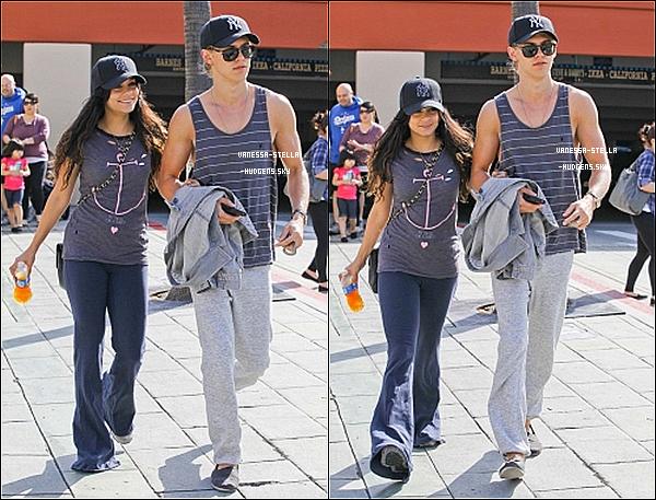 """*    29 avril 2012 : Vanessa  et Austin Bulter quittant l'église """"Ecclesia"""" à Los Angeles. Beau Top ! 29 avril 2012 : Nos deux tourtereaux ont ensuite été vus quittant IKEA à L.A toujours. Bof !   *"""