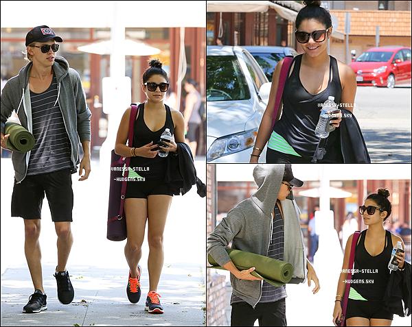 *    15 mai 2012 : Vanessa et Gina quittant une salle de sport à Los Angeles.    *