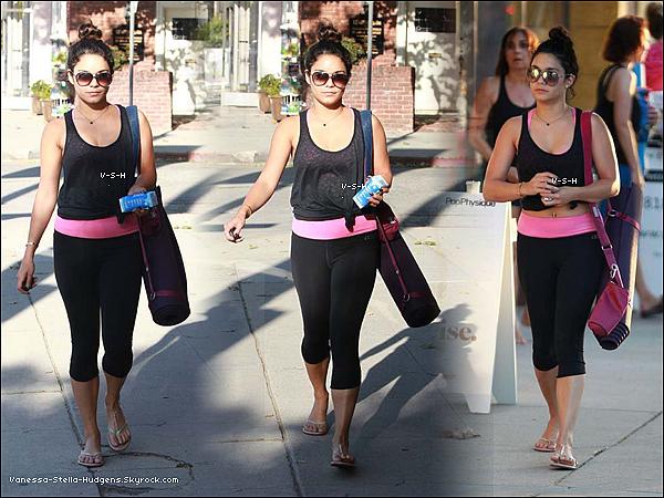 *    22 mai 2012 : Vanessa a été vue hier quittant son cours de yoga à Studio City.     *