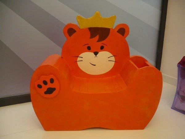 Fauteuil enfant mi tigre mi lion, mi ours .......