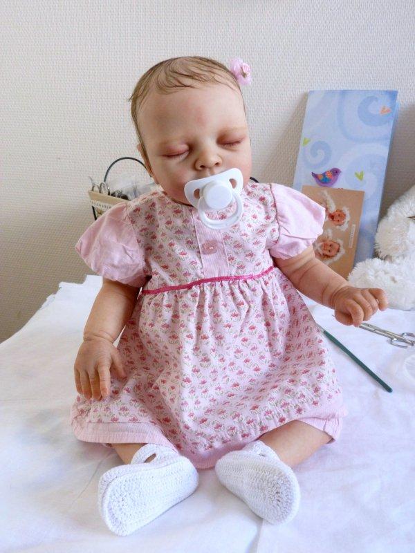 Pas à pas ,la transformation d'un kit en poupée reborn :la fin