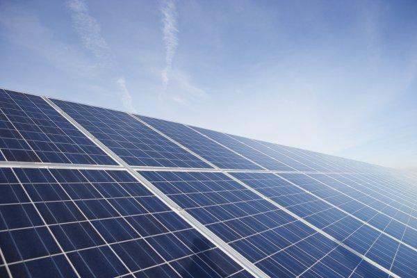 Mi-2014: une centrale photovoltaïque en Afrique du Sud