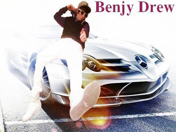 03/05/11 : Nouvelle photo sur le facebook de Benjy