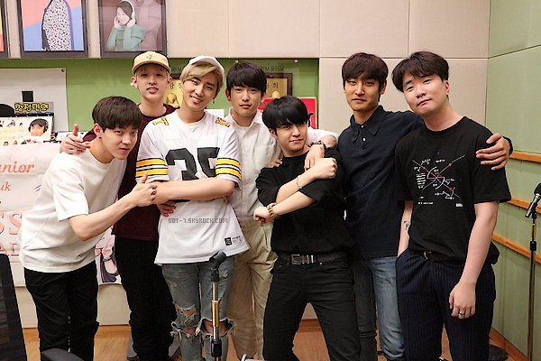 -- ET SECRET FAN MEETING ! PLUS JUNIOR ET YOUNGJAE A LA RADIO. --