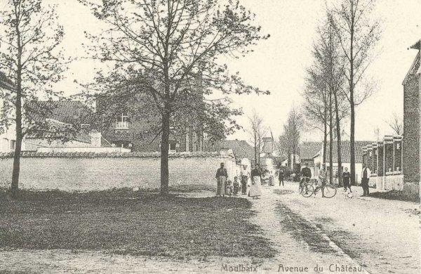 MOULBAIX rue du château