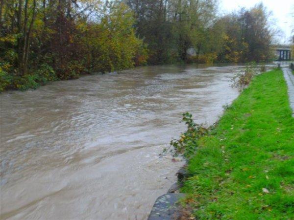 Inondations du 14 novembre 2010. ATH, derrière l'hôpital.