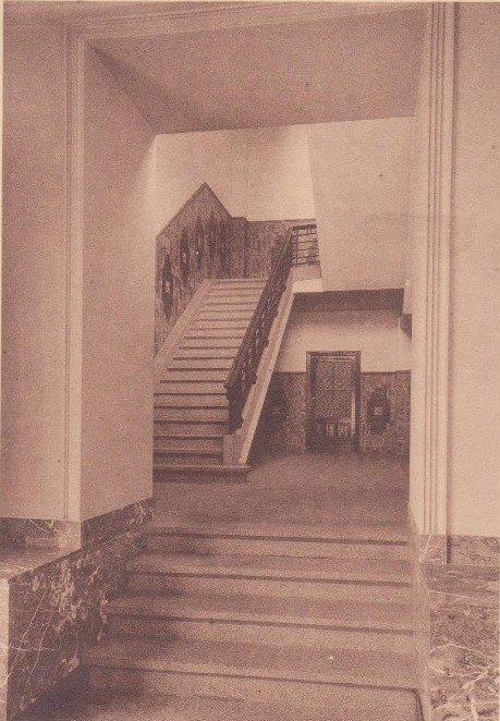Collège Saint Julien Ath escalier du dortoir