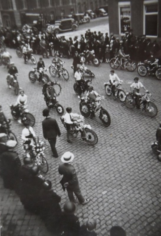 ATH 1939 Corso Fleuri les vélos et les enfants de l'école des garçons