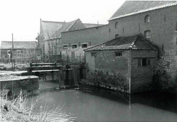 MAFFLE , Moulin à eau à turbine en 1983