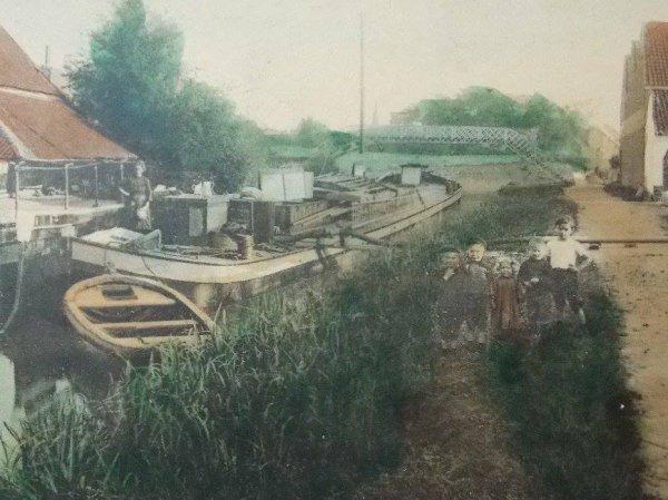 ATH, Passerelle sur la Dendre et lavoir. 1917