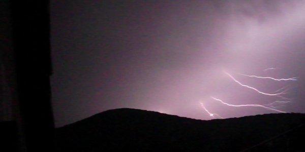 photo d'éclair que j'ai prise depuis chez moi le 23 aout 2012