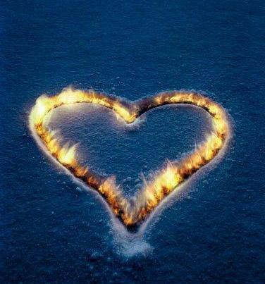 un coeur en flame