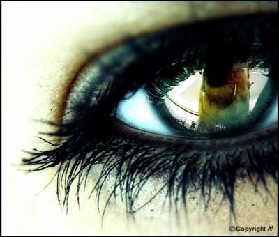 Pαrce que lα vie c'est comme lα boxe, y'α des coups que t'encαisse && d'αutre qui te blesse ..