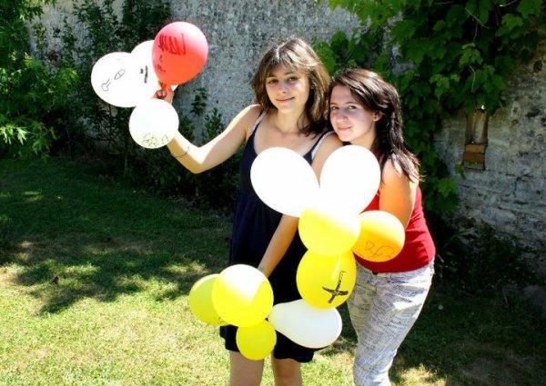 """""""L' amitié double les joies et réduit de moitié les peines"""""""