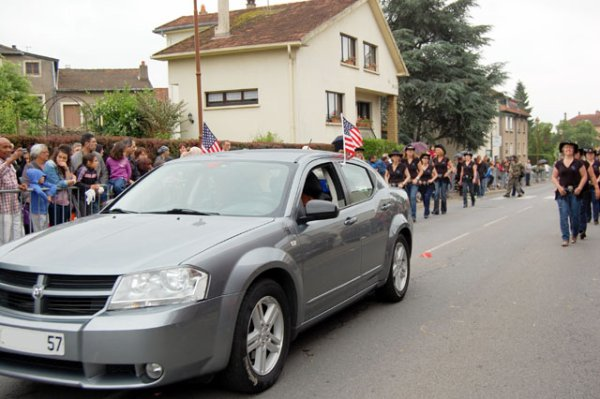 DEFILE DE LA FETE DES FRAISES - WOIPPY JUIN 2012